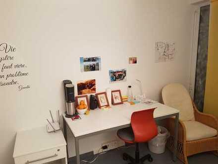 helles und gemütliches 12qm Zimmer im Studentenwohnheim