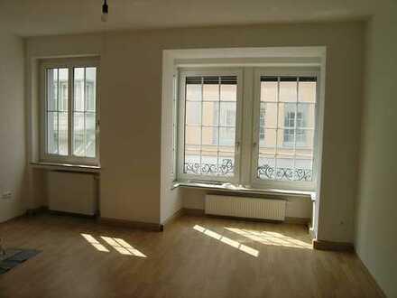 Lichtdurchflutete Wohnung mit Wintergarten mitten in Soest provisionsfrei zu vermieten!
