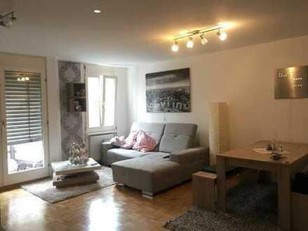 Neuwertige 3-Zimmer-Wohnung mit Balkon und Einbauküche in Pforzheim
