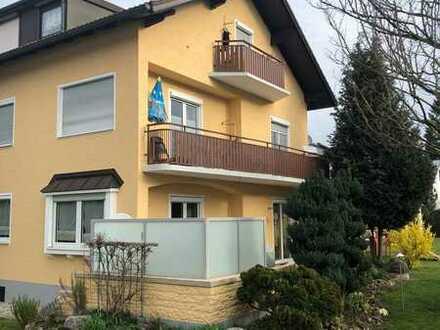 Ruhige und doch zentrale, gepflegte 3-Zimmer-Erdgeschosswohnung mit Terasse in Olching