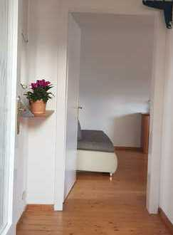 Gepflegte 3-Zimmer-DG-Wohnung mit Einbauküche in Dahn