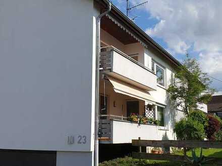 Gepflegte, helle 4 Zimmerwohnung mit Balkon