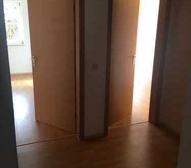 Schöne 4-Zimmer-Erdgeschosswohnung mit Balkon in Kolbermoor
