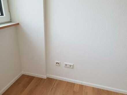 1 Zimmer in 2er WG: super Lage, saniert, komplett *neue* Einrichtung