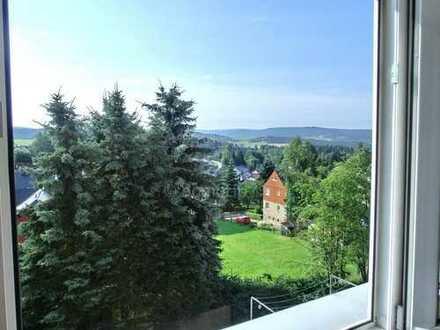 Elterlein/Aussichtstraum/sonnige 2-Zi.whg./vollsan./Balkon/Wohnkü./Einbaukü. Kamin mögl./Bad m.F./SP