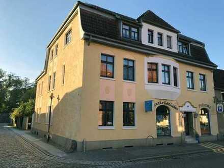 Mehrfamilienhaus mit Inhaberwohnung und Ladengeschäft für Einzelhandel, Gastronomie, Handwerk