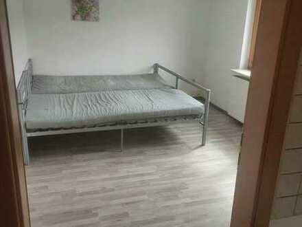 Gepflegte EG-Wohnung mit zwei Zimmern sowie Balkon und EBK in Böblingen (Kreis)