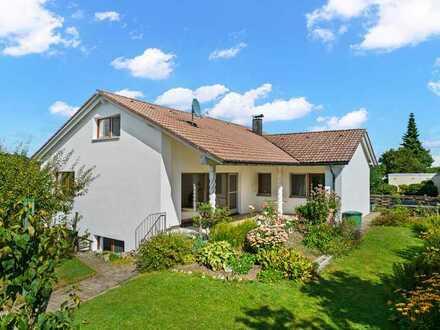 Sofort frei !! Tolles Einfamilienhaus mit großem Gartengrundstück in Ortsrandlage