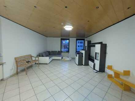 Frisch modern. 4 - Zimmer Wohnung mit toller EBK!