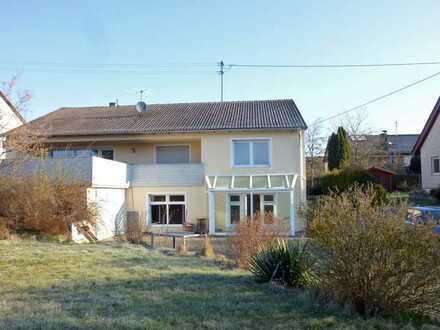 Wohn-/Geschäftshaus in Egenhofen