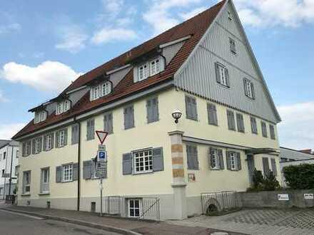 +++Denkmalgeschützte 3 ½-Zimmer-Maisonette-Wohnung in zentraler Lage von Plüderhausen+++