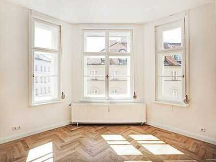 Top Lage im Glockenbachviertel - großes renoviertes 1 Zimmerapartment im Jugendstilaltbau, sehr hell
