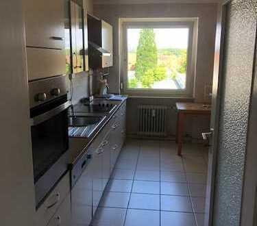 Gepflegte 3-Zimmer-Wohnung mit Balkon und Einbauküche in Stutensee