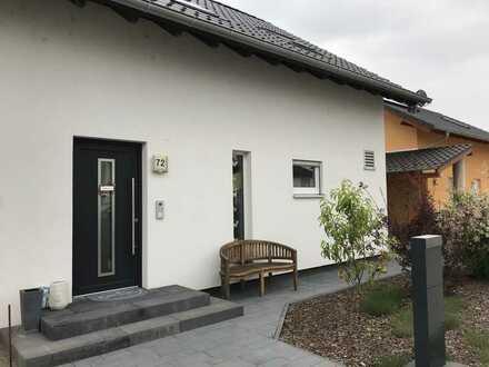 Schönes Haus mit fünf Zimmern in Lamperheim Hofheim