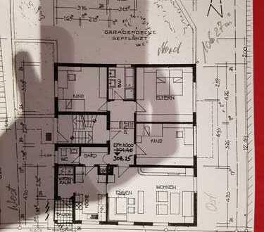 Renovierte 4-Zimmer Erdgeschosswohnung mit 2 Stellplätzen