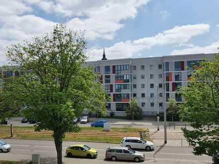 3,5-Raumwohnung mit 2 Balkonen - Dresden-Altstadt - Einbauküche gegen Ablöse vom Vormieter