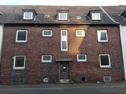 Handwerker aufgepasst - Sanierungsbedürftiges Mehrfamilienhaus in Friemersheim. Provisionsfrei!