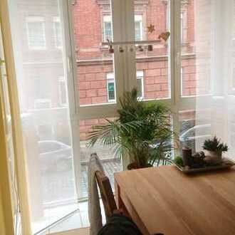 Stilvolle, gepflegte 3,5-Zimmer-Wohnung mit Balkon und EBK in Nürnberg