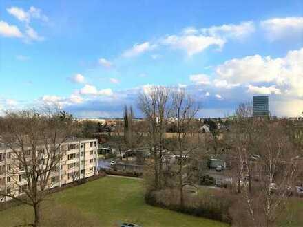ALPENBLICK! Helle, sonnige, ruhige 3-Zimmer-Wohnung im 6. OG mit Südloggia in München-Bogenhausen