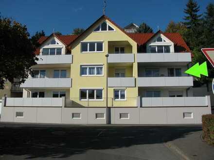 Provisionsfrei! Neuwertige helle 3-Zimmer-OG-Wohnung mit Balkon + Terrasse in Zell am Main