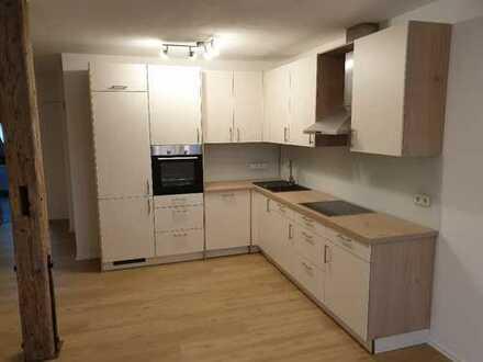 Erstbezug nach Sanierung: schöne 2,5-Zimmer-DG-Wohnung mit Einbauküche in Bad Saulgau