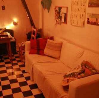 Zimmerchen in gemütlicher Altbauwohnung