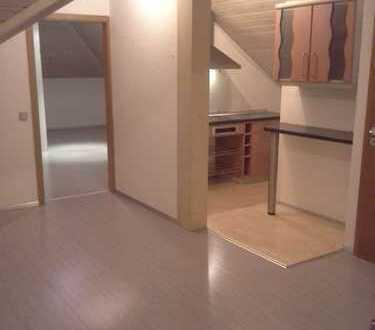 Sanierte 3-Zimmer-DG-Wohnung mit EBK im Alb-Donau-Kreis