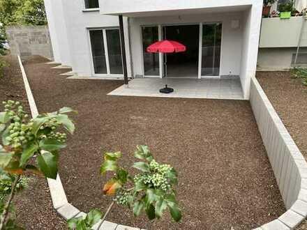 Gartenwohnung mit eigener Garage und tollem Zuschnitt