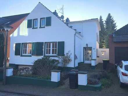 Pulheim-Stommeln - Wunderschönes, freistehendes Einfamilienhaus mit Garten und Garage