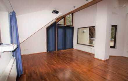 Hochwertige Dachgeschosswohnung mit vielen Extras, 3 Zimmern und Dachterrasse zentral in Wipperfürth