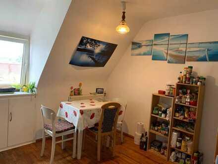 16qm Zimmer in netter 3er WG in Uttenreuth zu vermieten