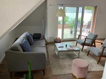 BURGBERG - Stilvolle, geräumige 4-Zimmer-Maisonette-Wohnung; Balkon, Dachterrasse und Einbauküche