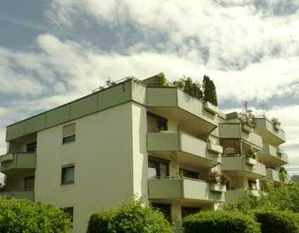 Geräumige 3 Zimmer-Eigentumswohnung mit 2 Bädern und grosser Loggia