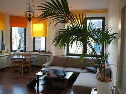 Teilmöblierte helle zwei Zimmer Wohnung in Deutz, einziehen leicht gemacht!