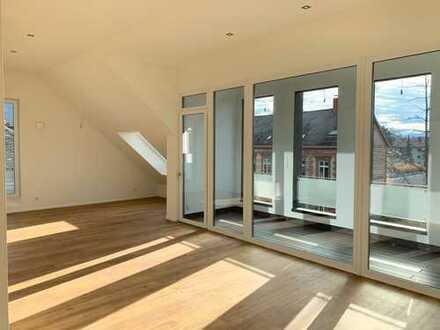 Erstbezug in 1a Lage: Top 3-Zimmer-Wohnung mit Blick über Bühl inkl. TG-Stellplatz