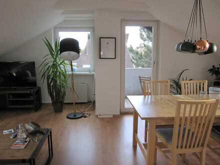 Lichtdurchflutete 2-Zimmer-DG-Wohnung....