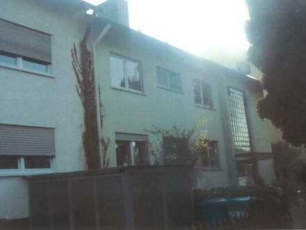 Schöne 3-Zimmer-Dachgeschoss-Wohnung mit Balkon in Aschaffenburg