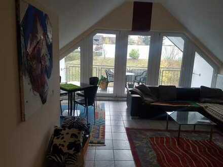 Modernisierte 4-Zimmer-Wohnung mit Balkon und Einbauküche in Oberbergischer Kreis