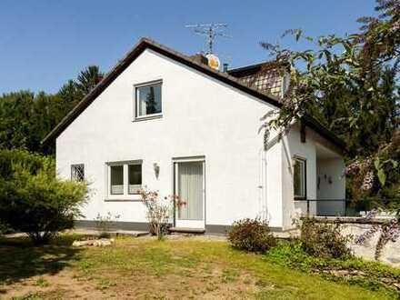 1-Familienhaus in schöner Lage mit großem Grundstück und Garage
