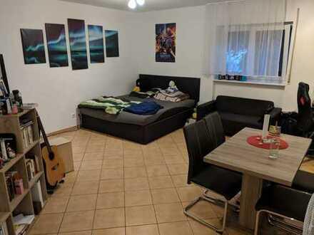 Schöne, helle 1- Zimmer Wohnung in Weingarten/Baden.