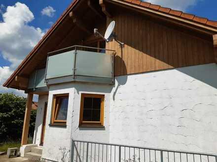 Saniertes Einfamilienhaus mit vier Zimmern und EBK in Ballmertshofen
