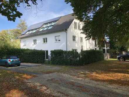 Haus im Haus: Schöne, sehr helle 4-Zimmer Maisonette-Wohnung mit Garten und sonniger S/W-Terrasse