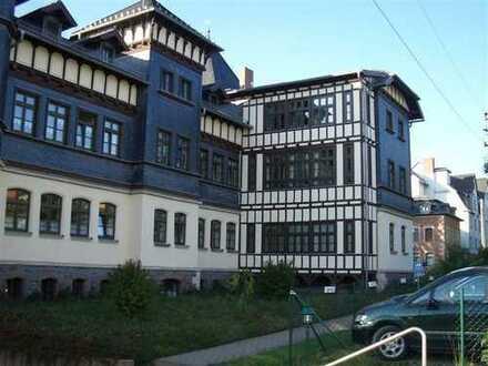Viel Platz für Zwei - Großzügige 2-Zimmer-Wohnung im DG des Zentrums von Sonneberg