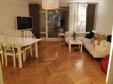 Exklusive 4-Zimmer-Wohnung mit Balkon und Einbauküche in Schwabing-West, München