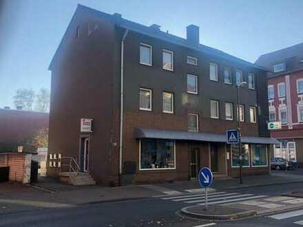 Voll vermietetes Wohn- und Geschäftshaus mit 5 Kfz.-Stellplätzen