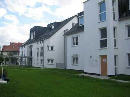 Hochwertige 4-Zimmer-Wohnung mit Balkon und Einbauküche in Herrenberg, Wohngebiet Alzental