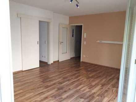 Stilvolle 1,5-Zimmer-EG-Wohnung mit Balkon und Einbauküche in Deggendorf