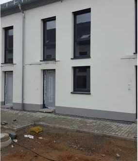 Moderne Reihenmittelhaus mit fünf Zimmern in Mannheim Franklin
