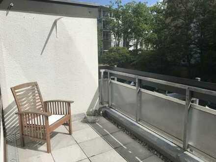 Zentral und ruhig gelegene renovierte 2 Zimmerwohnung mit Balkon ab sofort zu vermieten