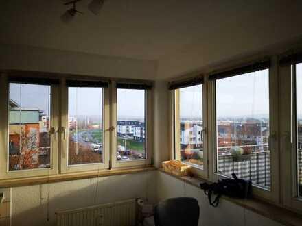 Gepflegte 2-Raum-DG-Wohnung mit Balkon und Einbauküche in Potsdam OT Fahrland
